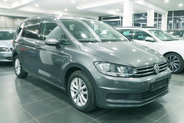 Volkswagen Touran Comfortline 2.0 TDI 110kW DSG / Webasto