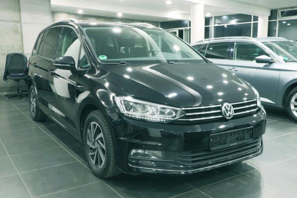 """Volkswagen Touran """"SOUND"""" 2.0 TDI 110kW DSG / Webasto"""