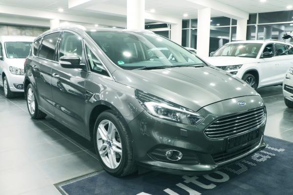 Ford S-Max 2.0 TDCI 132kW aut. Titanium / Webasto