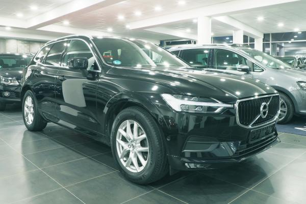 Volvo XC60 D5 4x4 AWD Geartronic Momentum / Vzduch