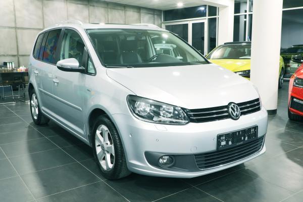 "Volkswagen Touran ""LIFE"" 2.0 TDI 103kW / 7-míst"