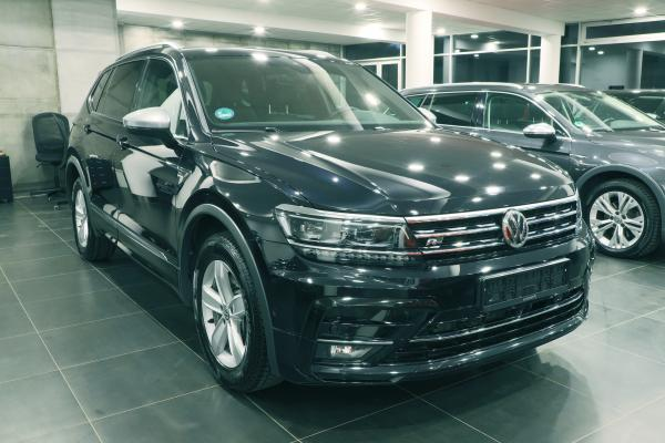 Volkswagen Tiguan Allspace Highline 4x4 2.0 TDI 140kW DSG R-Line / Active info display