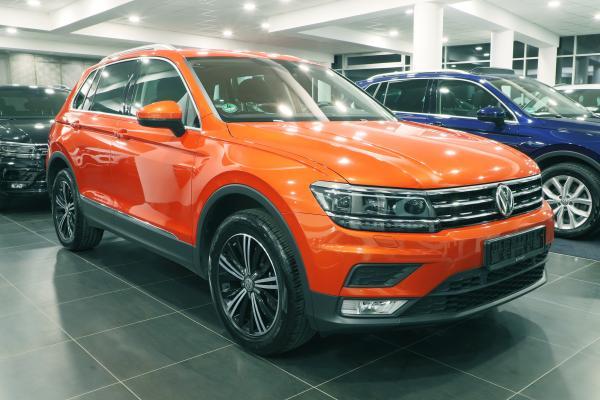"""Volkswagen Tiguan """"SOUND"""" 4x4 2.0 TSI 132kW / Active info Display"""