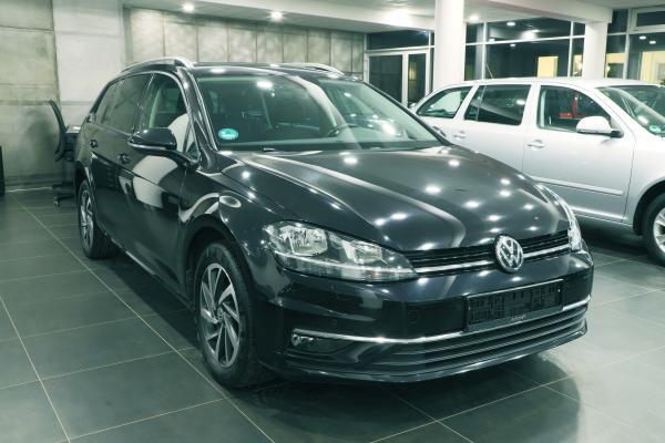 """Volkswagen Golf 7 Variant """"SOUND"""" 2.0 TDI 110kW"""