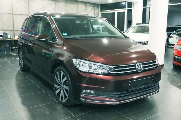 Volkswagen Touran Highline 1.4 TSI 110kW / int. dětské sedačky / Webasto