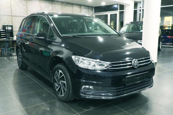 "Volkswagen Touran ""Join"" 2.0 TDI 110kW DSG / 7-míst"