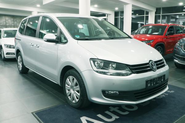 Volkswagen Sharan Trendline 2.0 TDI 103kW / Webasto