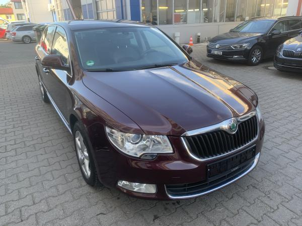 Škoda Superb 2 Lim. 2.0 TDI 125kW DSG Elegance / Webasto